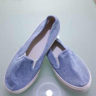 Canvas Shoes size 39