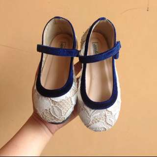 kids shoes ittaherl sz 27