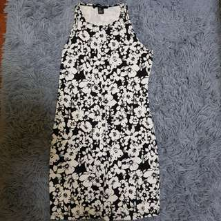 Forever 21 Black and White Bodycon Dress (Xs)