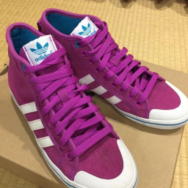 愛迪達紫紅色高筒球鞋
