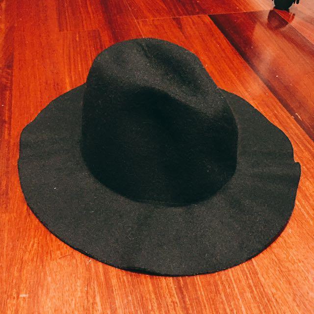 變形的紳士帽