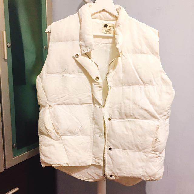 韓妞白色鋪棉背心外套