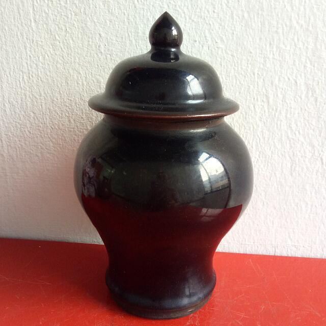 墨色古老瓷矸 Antique Porcelain Bottle