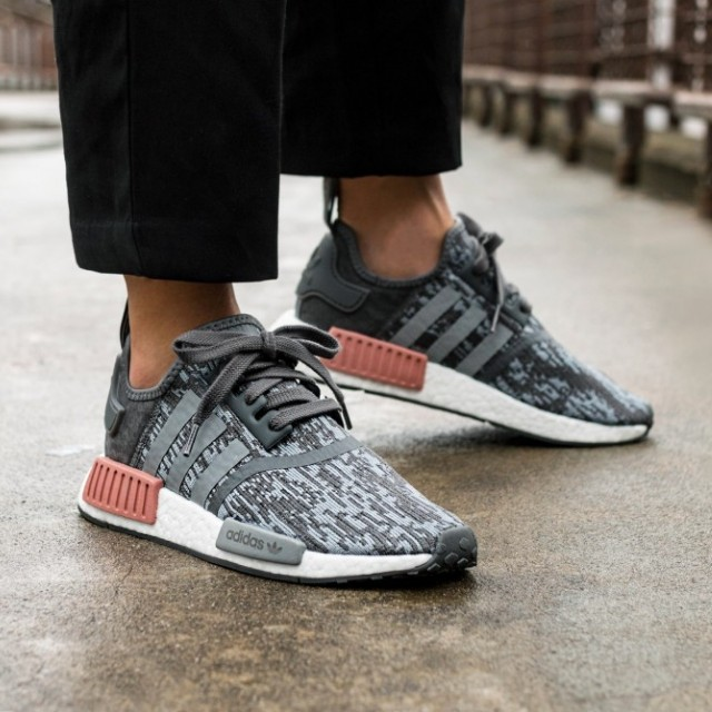 save off a6b28 265d9 Adidas NMD R1 W Womens Heather Grey Raw Pink, Women's Fashion, Shoes on  Carousell