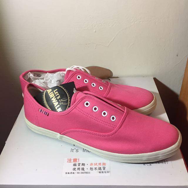 Airwalk粉紅帆布鞋