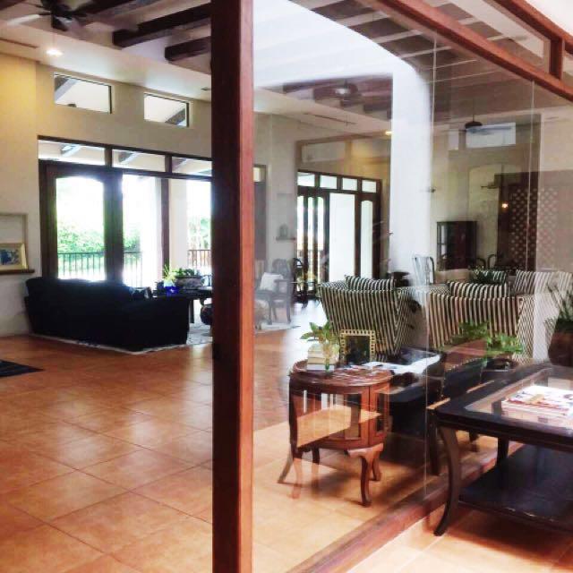 Beautiful Ayala Alabang House and Lot For Rent