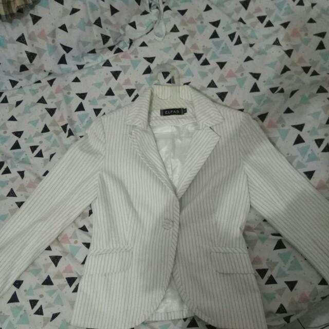 Blazer putih garis2