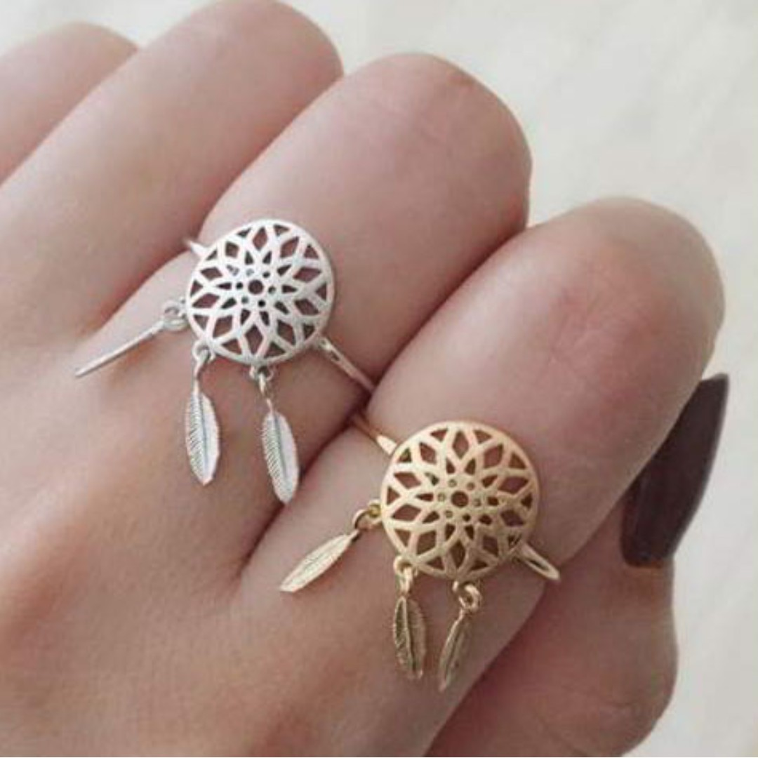 Simple Dreamcatcher Ring