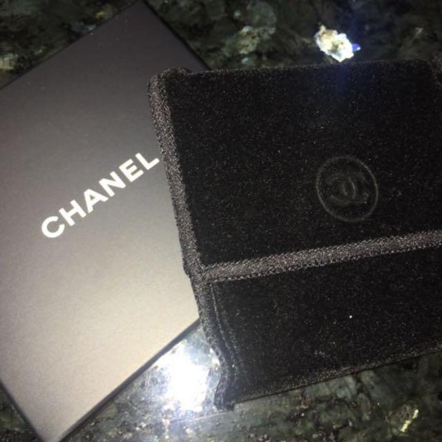 Chanel pocket mirror