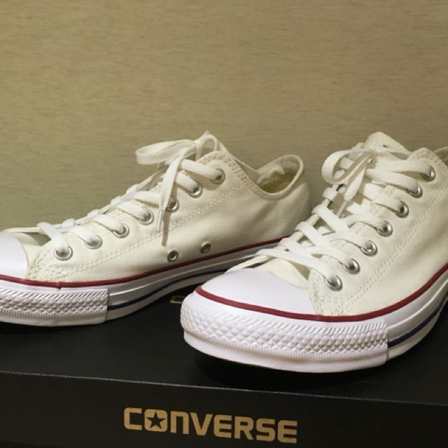 Converse白色帆布鞋基本款低筒
