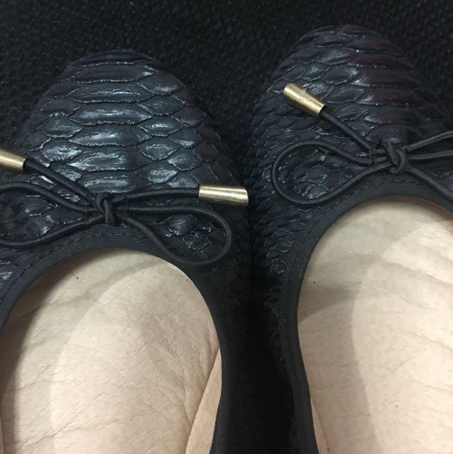 Cute black flat garterized shoes