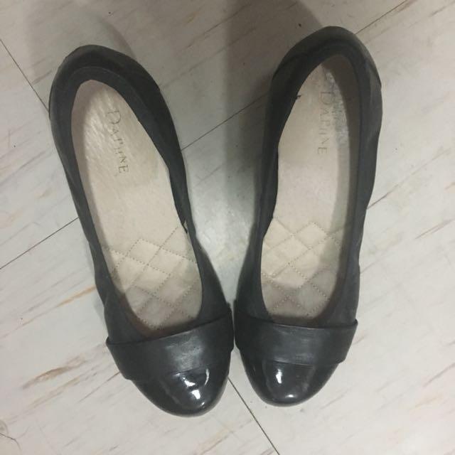 Daphne Black Shoes
