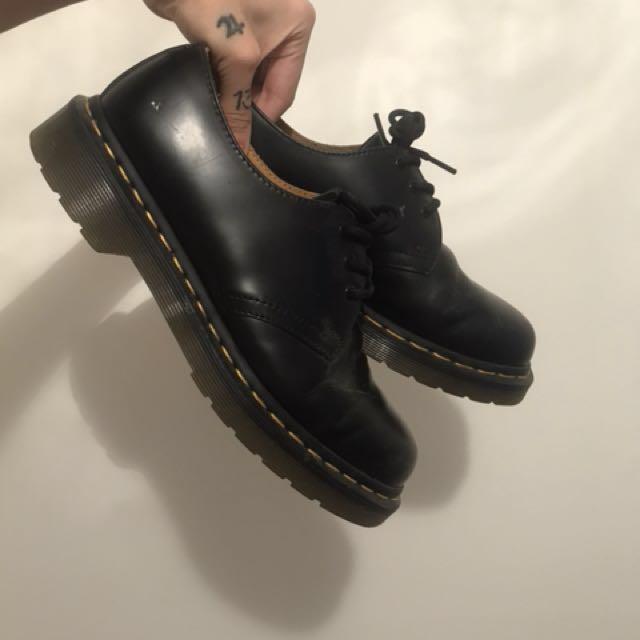 Dr Marten 3 eye shoes