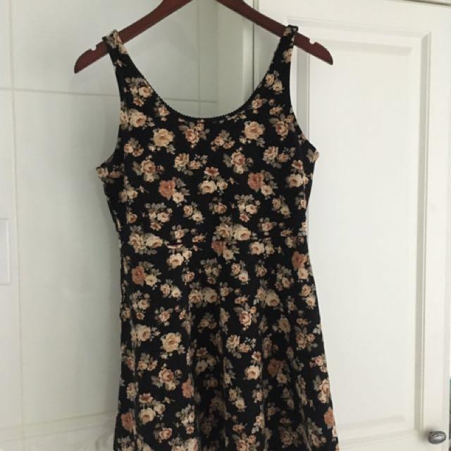 Forever 21 size M floral dress