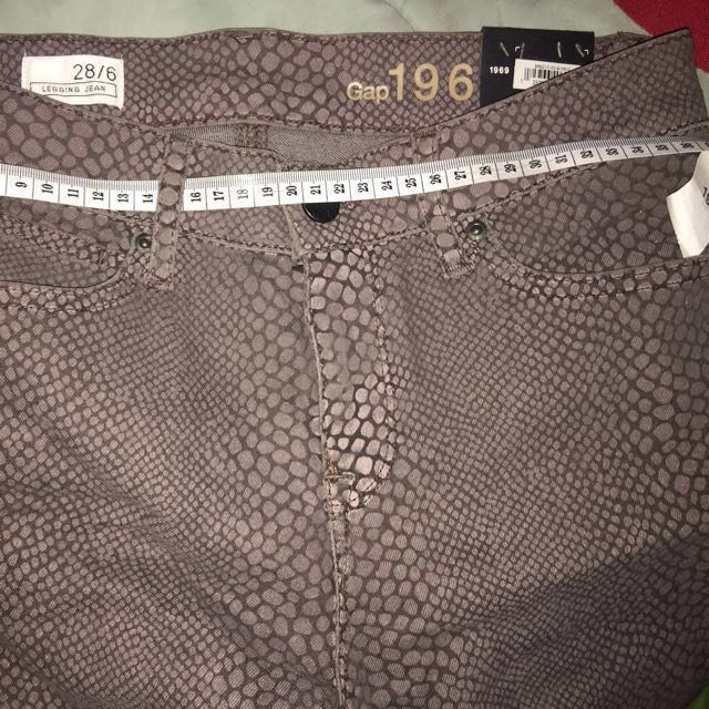 GAP Jeans Size 28 authentic