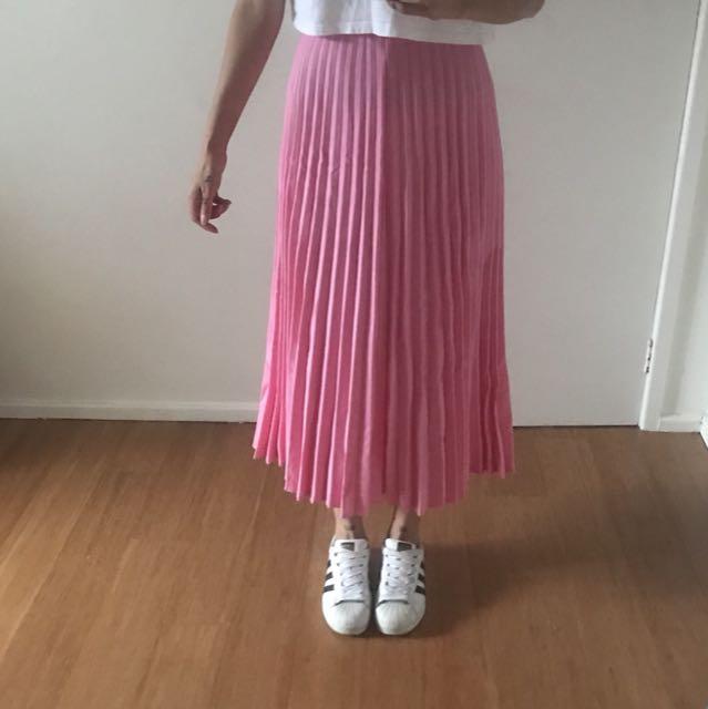 H+M pleated skirt
