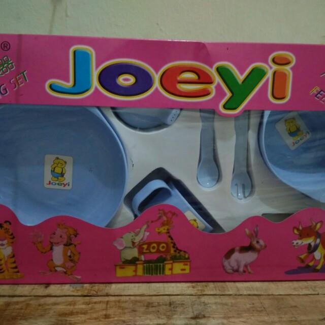 Joeyi feeding set