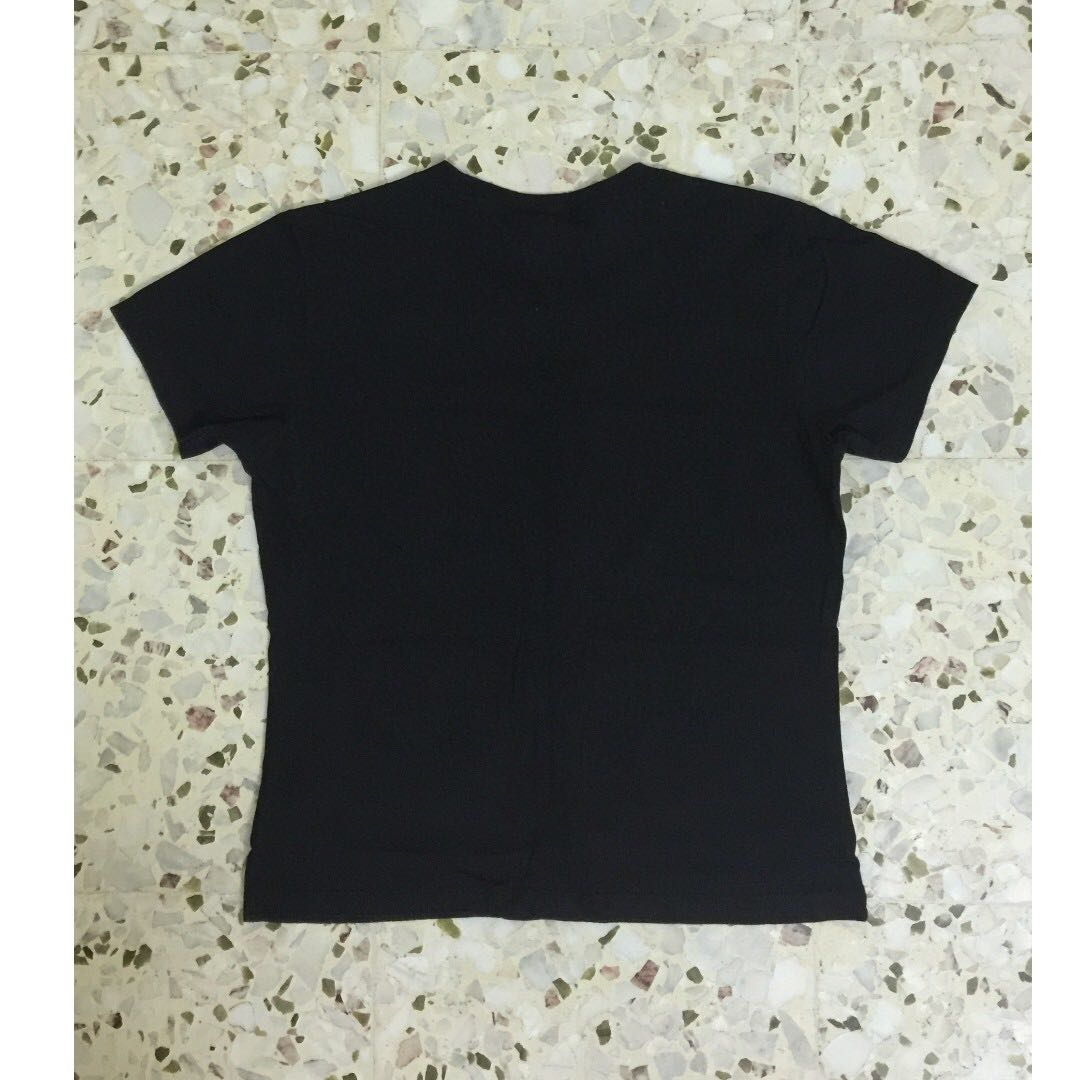 262d8eb69 Levis T Shirt Girls, Women's Fashion, Clothes, Tops on Carousell