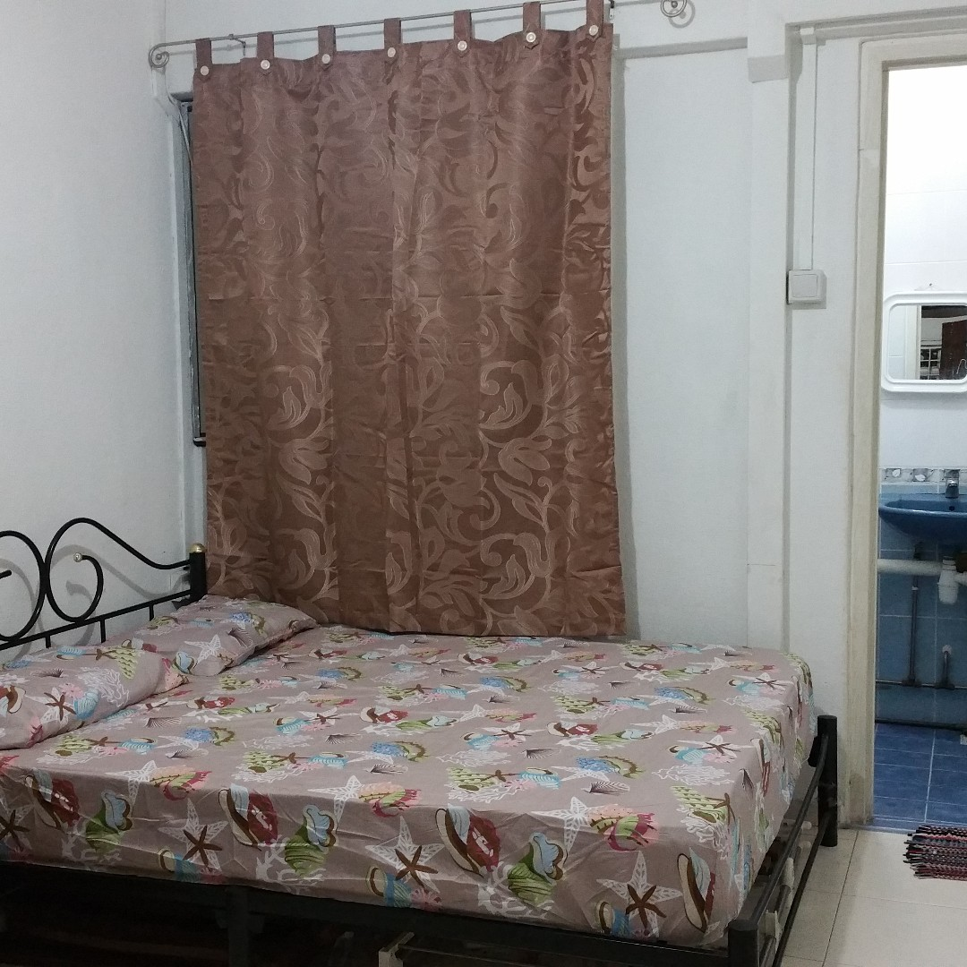 MASTER ROOM ATTACHED BATHROOM @ CLEMENTI WEST ST 2 BK 714 FOR RENT. PLS CALL 9459 8818