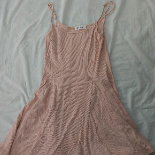 Pazzo 粉杏色細肩帶洋裝內搭