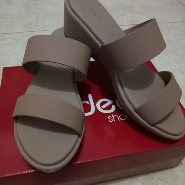 Sandal Wanita warna mocca