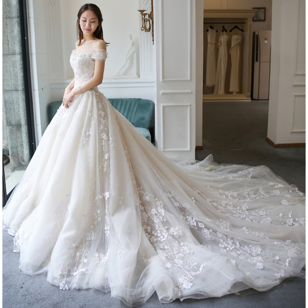 Wedding Collection Simple But Elegant Design Off Shoulder Long Tail Wedding Gown