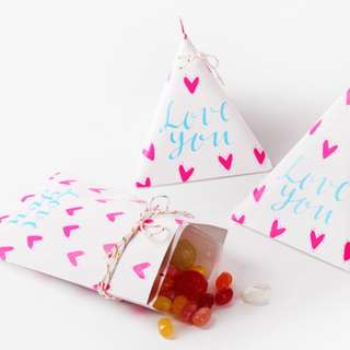Triangle Candy Box x 10 pcs