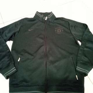 Jaket nike MU full black
