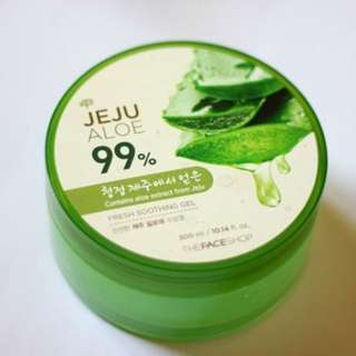 The Face Shop 99% Jeju Aloe Fresh Soothing Gel (300ml)