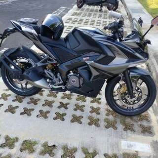 BAJAJ Pulsar RS200 Graphite Black