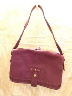 執屋平賣名牌:Ted Baker handbag