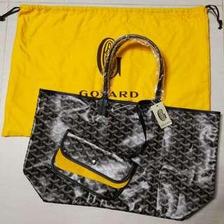 Goyard tote (pm size,black colour)
