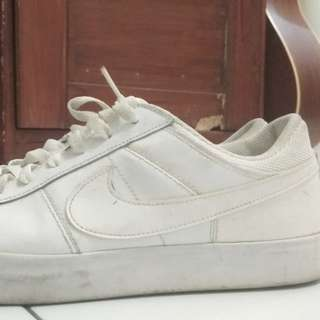 Nike match supreme leather white