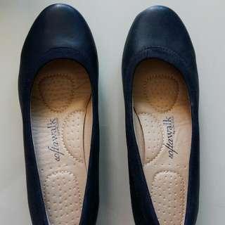 School shoes / black shoes
