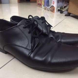 Sepatu Pantofel H&M