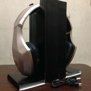 SALE❗️ ROSE GOLD WIRELESS STEREO HEADSET S33