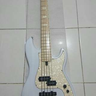 Bass sire marcus miller P7