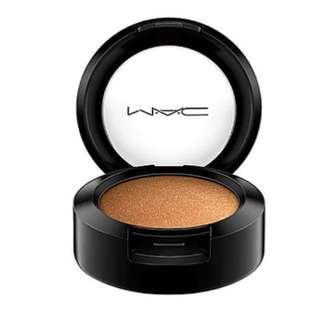 MAC Eyeshadow Makeup