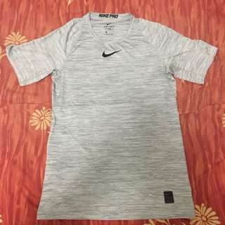 NIKE PRO Tee Size Small Fitted