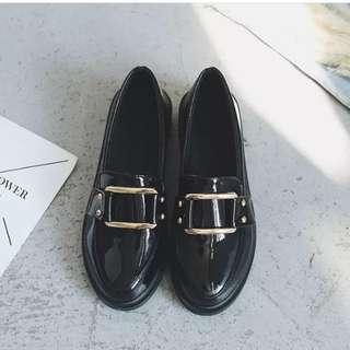 英倫風皮鞋
