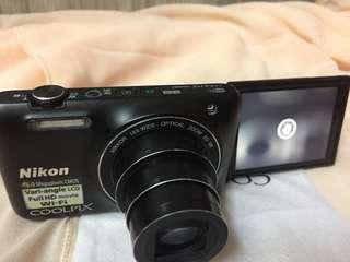 Flip Camera Nikon Coolpix S6600