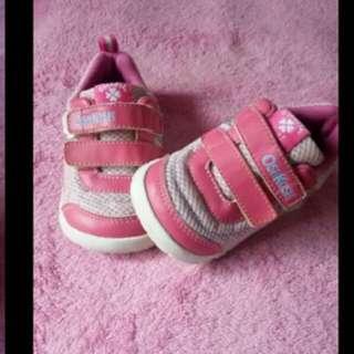 Sepatu oshkosh girl