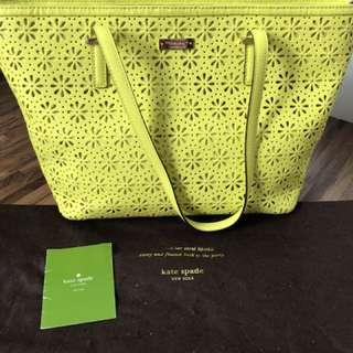 Preloved Kate Spade Cedar Harmony Perforated in Yellow
