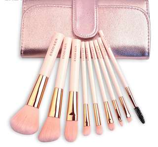 Peachy Make Up Brush Set