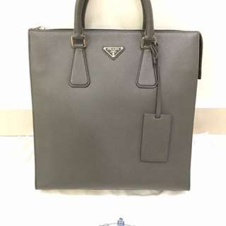Prada Saffiano Leather Tote, Pre love, condition 9.9/10, 100% Authentic