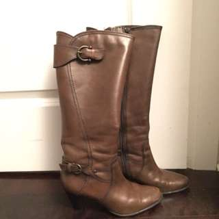 Size 7 Clark's Leather Boots