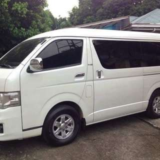 TOYOTA HIACE SUPER GRANDIA 2011 (Top of the line)
