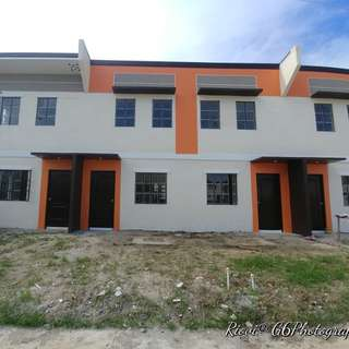 RFO Townhouse in Open Canal Gen. Trias