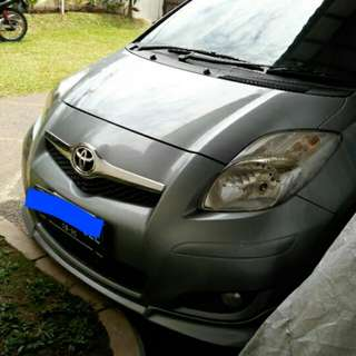 Toyota yaris s limited AT