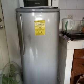 Refrigerator  (electrolux)